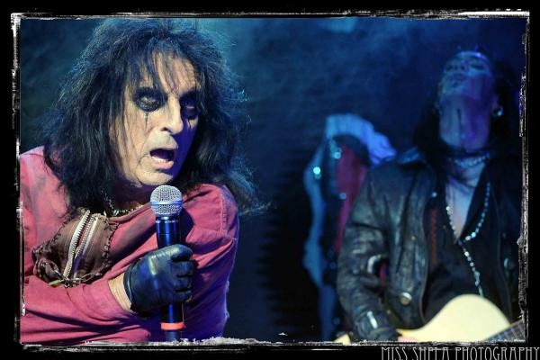 alicecooper-bloomingtonill10-8-10-4