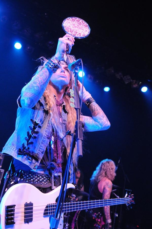 steelpanther-romt-2010-6